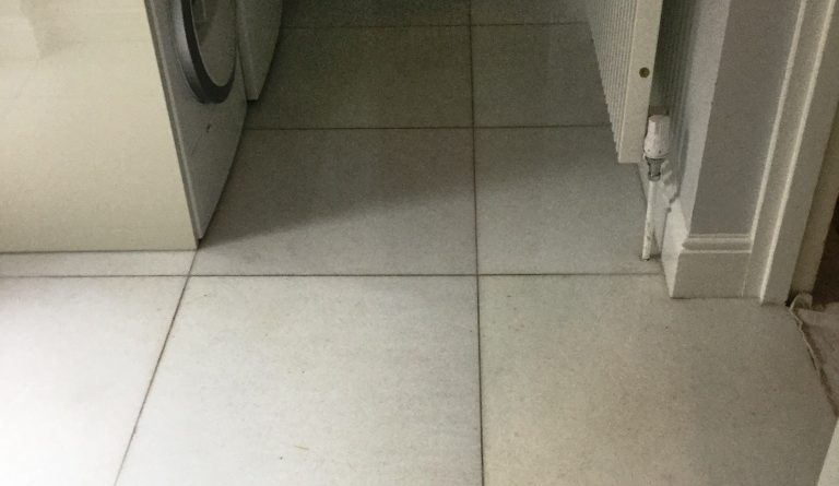 Polishing Stains out of Marble Floor Tiles in Northampton